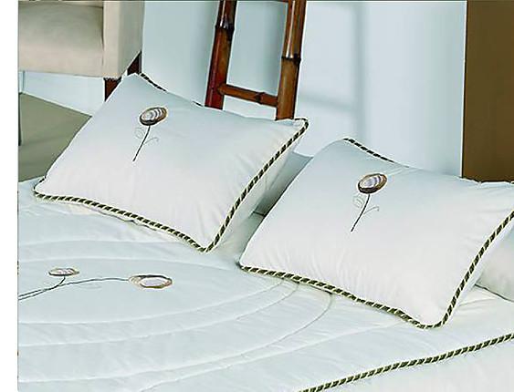 Bordados Paula - Cojín con relleno bordado Granada